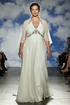 A plus size, curvy bride on the Jenny Packham 2015 runway.  Beauty is beauty, no matter the size!