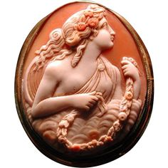 Large cameo of Flora in the clouds