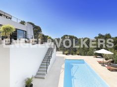 NEW PROPERTY OF THE WEEK: Modern villa within walking distance from the beach #Ibiza