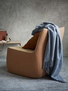 Wrap yourself in the soft wool that will keep you snug and warm in those cold winter months. The wool blanket is certified by Woolmark – the world's best-known textile quality brand. Scandinavian Bedroom, Yams, Keep Warm, Wool Blanket, Curves, Lounge Design, Winter Months, Snug, Blankets