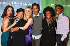 Alison Brie, Ken Jeong, Gillian Jacobs, Danny Pudi, Yvette Nicole Brown, and Donald Glover.