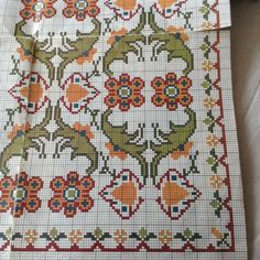 Gallery.ru / Фото #175 - ελληνικα - ergoxeiro Folk Embroidery, Cross Stitch Embroidery, Embroidery Patterns, Cross Stitch Patterns, Knitting Patterns, Ribbon Embroidery, Vintage Borders, Palestinian Embroidery, Repeating Patterns