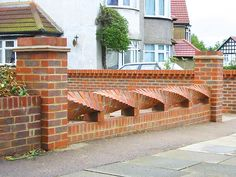 Pagar tampil minimalis dengan batu bata ekspose ~ Teknologi Konstruksi Arsitektur