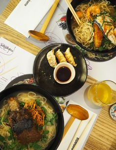 We Asked A Nutritionist What They Eat In Restaurants Japanese Ramen, Japanese Food, Wagamama Ramen, London Eats, Short Ribs, Tasty, Yummy Yummy, Healthy Dishes, Places To Eat