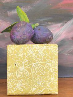 Seeligkeitssachen,Pflaumen aus Papiermaché, plums, papermache