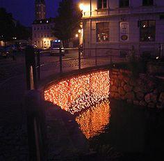 Gunda Foerster, LIGHT FALL, Gluehbirnen, Wismar, 2005_1Glühbirnen, Wismar, 2005_1
