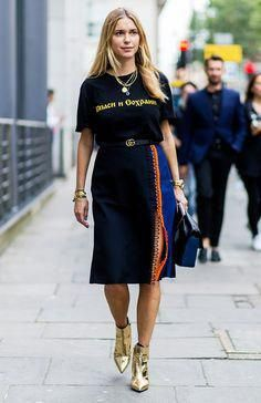 860ef372ec 43 of the Most Amazing Street Style Looks From London Fashion Week via   WhoWhatWearUK  fashiondesigners