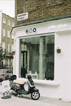 Polka Gelato (London) has a great store design and fun logo that works well with the brand's personality. #RetailDesign #London