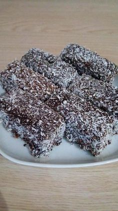 Christmas Baking, Christmas Recipes, Pavlova, Blackberry, Food And Drink, Cooking Recipes, Meat, Fruit, Sweater