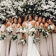 Bridesmaids in Show Me The Ring #mumuweddings