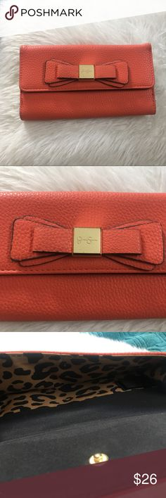 Beautiful Jessica Simpson Wallet Adorable wallet, like new great cond Jessica Simpson Bags Wallets