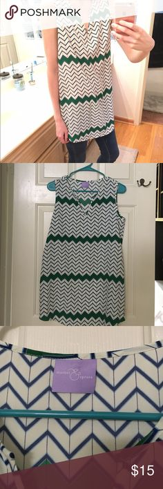 "Market & Spruce Chevron Print Tunic Tank Originally purchased from Stitch Fix. Wore a few times. Looks cute with jeggings, boots, and a belt! Size Small - fits loose. I'm 5'8"" so you can see how long it is in my pics. Market & Spruce Tops Tank Tops"