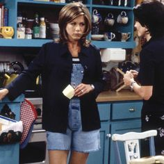 Le look de la semaine : la salopette en jean de Jennifer Aniston dans « Friends »