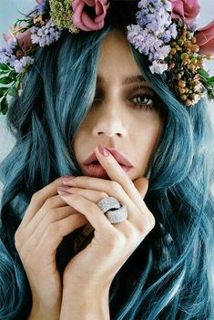blue hair hair inspiration love the side pony long hair! Corte Y Color, Floral Headpiece, Flower Headdress, Pretty Hairstyles, Hairstyle Ideas, Scene Hairstyles, Style Hairstyle, Updo Hairstyle, Bridal Hairstyles