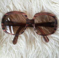 Guarda questo articolo nel mio negozio Etsy https://www.etsy.com/it/listing/474269534/vintage-70s-sunglasses-squared-glasses