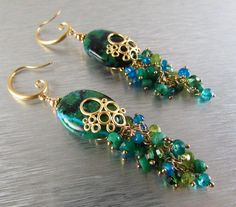 Chrysocolla Cluster Earrings por SurfAndSand en Etsy