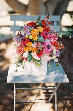 gorgeous florals for summer / Byron Loves Fawn Photography,via Burnetts Boards