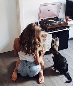 Vintage Audio Love Vinyl Record Art, Vinyl Music, Vintage Vinyl Records, Lps, Barefoot Girls, Vinyl Junkies, Record Players, Phonograph, Jolie Photo