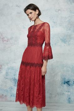 Marchesa Notte Resort 2019 Fashion Show Collection: See the complete Marchesa Notte Resort 2019 collection. Look 22 Red Fashion, New York Fashion, Runway Fashion, Fashion Dresses, Marchesa, Dress Skirt, Dress Up, Belle Silhouette, New Yorker Mode