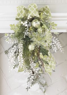 Decorated Swags & Wreaths: Porcelain Garden