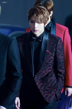 Leo - VIXX, he is so mysteriously good looking....