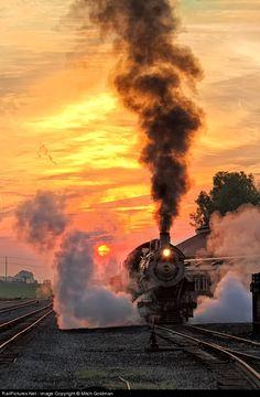 NW 475 Norfolk & Western Steam 4-8-0 at Strasburg, Pennsylvania, USA  (by Mitch Goldman)