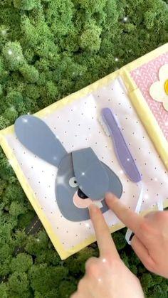 Infant Sensory Activities, Rainy Day Activities, Montessori Activities, Baby Quiet Book, Felt Quiet Books, Diy Toddler Books, Quite Book Patterns, Child Development Activities, Baby Girl Clipart