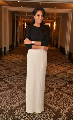 Lisa Haydon Lisa Haydon, Nice Dresses, Girls Dresses, Western Outfits, Miranda Kerr, Bollywood Celebrities, Role Models, Personal Style, Fashion Beauty