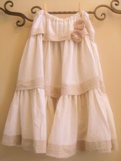 Simply Projects: Bed skirt to layered Skirt~I thought of this a few months ago..I have been wanting to try this out, but been too busy..now I know I am not the only one who thinks outside the box!