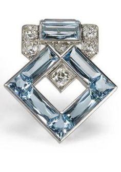 Vintage Jewelry Art Brooches : Art Deco aquamarine and diamond brooch Cartier. Art Deco Jewelry, Fine Jewelry, Jewelry Design, Pearl Jewelry, Bullet Jewelry, Geek Jewelry, Glass Jewelry, Art Deco Fashion, Fashion Jewelry
