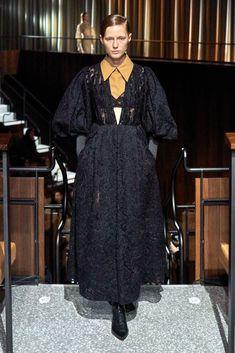 Emilia Wickstead Fall 2020 Ready-to-Wear Collection - Vogue 2020 Fashion Trends, Fashion Week, Daily Fashion, Fashion Brands, Backstage, Hijab Fashion, Fashion Outfits, Womens Fashion, Vogue Russia
