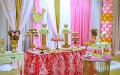 Dazzling- Minnie-Mouse-Birthday-Party-Treat-Stand