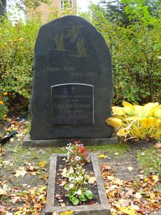 Tombstone Tuesday – Eduards Bielovs, 1895-1930 « Discovering Latvian Roots #genealogy