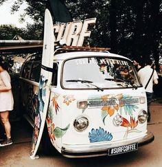 Vintage photography travel vw bus new ideas Combi Hippie, Van Hippie, Hippie Vibes, Boho Hippie, Bohemian, Volkswagen Tiguan, Vw T1, Van Life, Wolkswagen Van