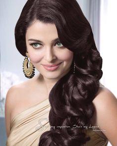Aishwarya Rai Bachchan Looks Stunning in This Ad! | PINKVILLA