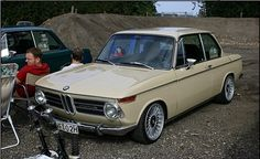 Picture Request -- Sahara w/ various wheels - '02 General Discussion - BMW 2002 FAQ