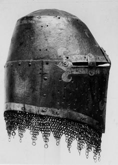 M14thC Painted Great Helm (Kornberg Helm) with Aventail. Right Side. Germanisches Museum, Nuremberg, Germany.