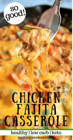 Skillet Chicken Fajitas Bake (Low Carb and Keto) is a super delicious and EASY Mexican recipe! One-pan from stovetop to oven. Full of your favorite fajitas flavors, but in a tasty casserole. This keto chicken casserole is the perfect low carb meal fo Chicken Fajita Casserole, Baked Chicken Fajitas, Skillet Chicken, Recipe For Chicken Casserole, Doritos Chicken, Skillet Food, Easy Chicken Fajita Recipe, Buffalo Chicken Nachos, Baked Pesto Chicken