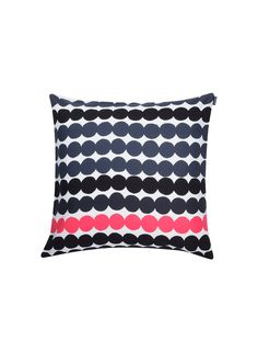 Räsymatto cushion cover from Marimekko by Maija Louekari Pillow Shams, Pillow Covers, Contemporary Cushions, Scandinavia Design, Poppy Pattern, Crochet Cushions, Pink Throw Pillows, Cotton Pillow, Scandinavian Style