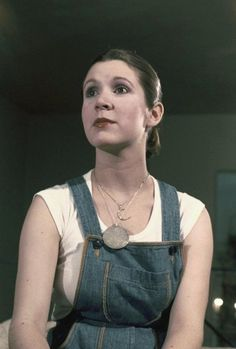 """spirkachu: """" """"Carrie Fisher testing out hairstyles for Princess Leia, 1977 """" """" Carrie Fisher 1977, Carrie Fisher Harrison Ford, Carrie Frances Fisher, Star Wars Cast, Star Wars Film, Star Trek, Starwars, Princes Leia, The Blues Brothers"""