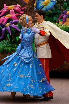 DLP Feb 2009 - Disney's Once Upon a Dream Parade