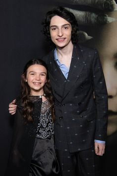 """Finn Wolfhard Photos - Brooklynn Prince and Finn Wolfhard arrive at the premiere of Universal Pictures' """"The Turning"""" at TCL Chinese Theatre on January 2020 in Hollywood, California. - Premiere Of Universal Pictures' """"The Turning"""" - Red Carpet Finn Stranger Things, Jack Finn, It Movie Cast, In Hollywood, Hollywood California, Universal Pictures, Cute Actors, Millie Bobby Brown, Beautiful Celebrities"""