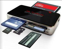 Un lector de tarjetas es un dispositivo de entrada de datos que lee datos de una forma de tarjeta medio de almacenamiento . La primera fueron los lectores de tarjetas perforadas , que leen el periódico o cartón tarjetas perforadas que se utilizaron durante las primeras décadas de la industria del ordenador para almacenar la información y programas para los sistemas informáticos.