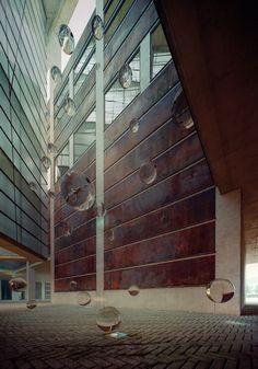 Barcelona_Auditorium_Lantern_with_glass_spheres_2__900_00078.jpg (770×1100)