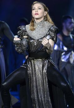 Madonna - MDNA Tour - I'm Addicted