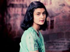 Maharani Gayatri Devi: the royal Princess - Utsavpedia - Encyclopedia of Indian Ethnic Fashion Jaipur, Maharani Gayatri Devi, Most Beautiful Women, Beautiful People, Indian Face, Vintage India, Royal Princess, Royal Queen, Vogue Magazine