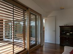 6 Exceptional Hacks: Wooden Blinds With Valance kitchen blinds with valance.Wooden Blinds With Valance. Exterior Blinds, Patio Door Blinds, Diy Blinds, House Blinds, Fabric Blinds, Curtains With Blinds, Blinds For Windows, Blinds Ideas, Patio Doors