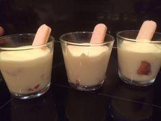 Foodblog met eenvoudige, heerlijke, vaak snelle en kindvriendelijke recepten. Duidelijk uitgelegd met veel foto's. Glass Of Milk, Panna Cotta, Pudding, Ethnic Recipes, Desserts, Vanilla, Tailgate Desserts, Dulce De Leche, Deserts