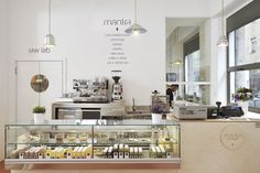 MANTRA RAW VEGAN // Raw food restaurant, market, and cold pressed juice bar // ★★★ http://www.mantrarawvegan.com