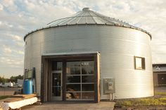 Convert a used grain bin to a new house, More ideas for using grain bins. Description from lzk.me. I searched for this on bing.com/images